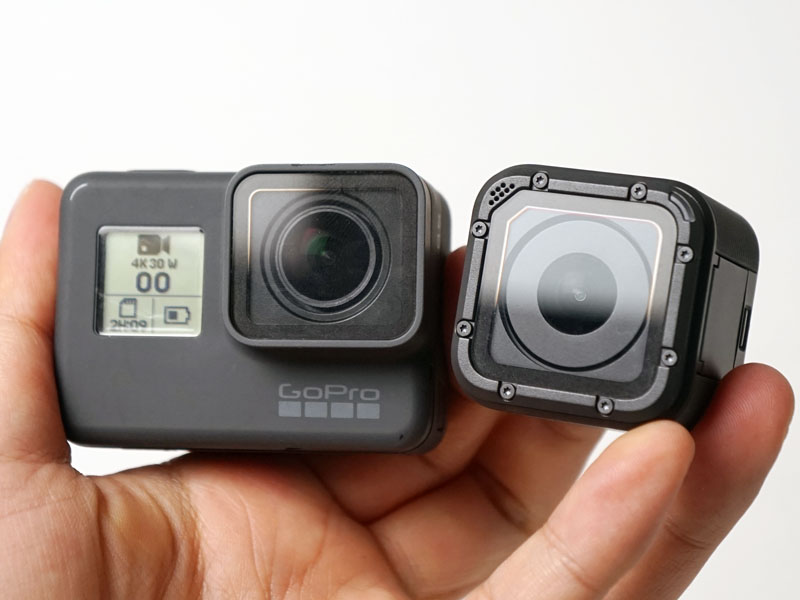 GoProの「HERO5 Black」(左)、「HERO5 Session」(右)