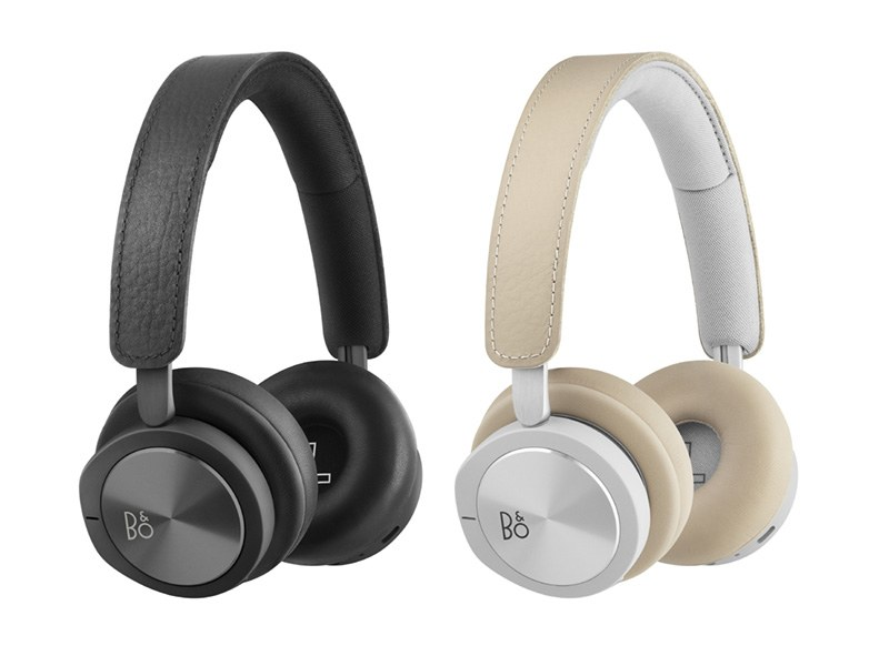 Beoplay H8i(左がBlack、右がNatural)