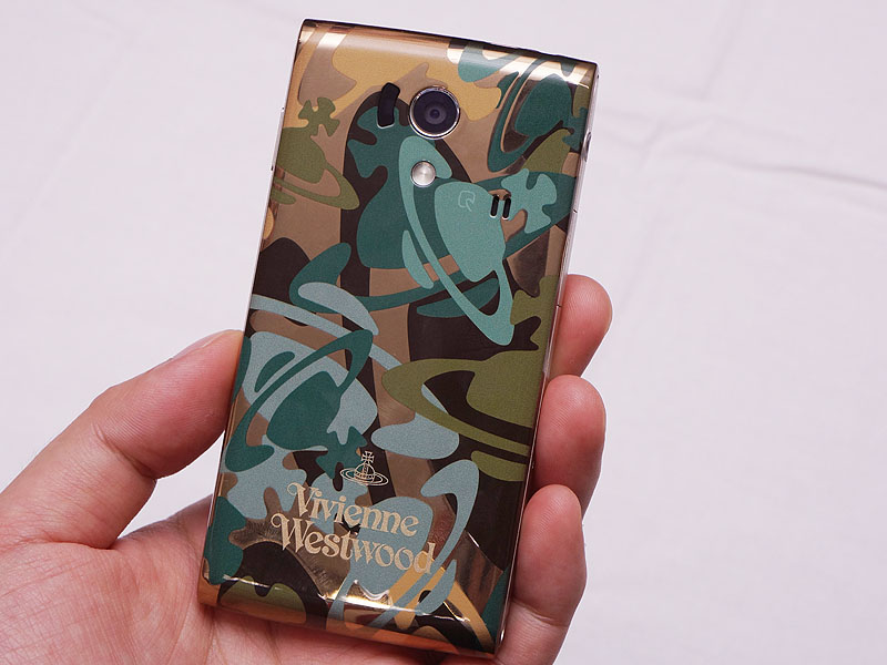 docomo21 Sharp releases limited edition Vivienne Westwood phone
