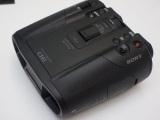 ソニー、大幅小型化/ズーム強化の録画対応双眼鏡