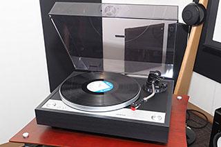 オンキヨーのマニュアルレコードプレーヤー「CP-1050」でアナログオ... 1050」でアナロ