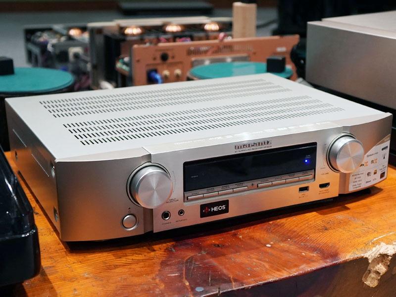 マランツ、音質大幅強化でレコードも繋がる105mm薄型AVアンプ「NR1609」