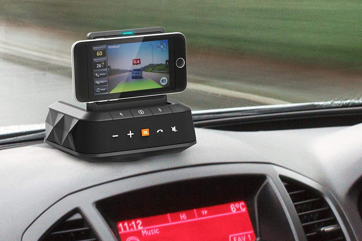 スマホを置けるJBL車載Bluetoothスピーカー「SMARTBASE」、5月31日発売