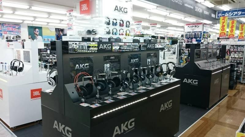 ビックカメラ最大級のヘッドフォン売場がなんば店に。Shureなど6社